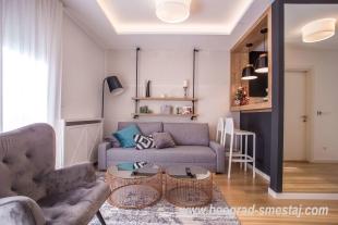 Apartman V and R